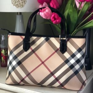 Authentic Nova tote- with the dust bag